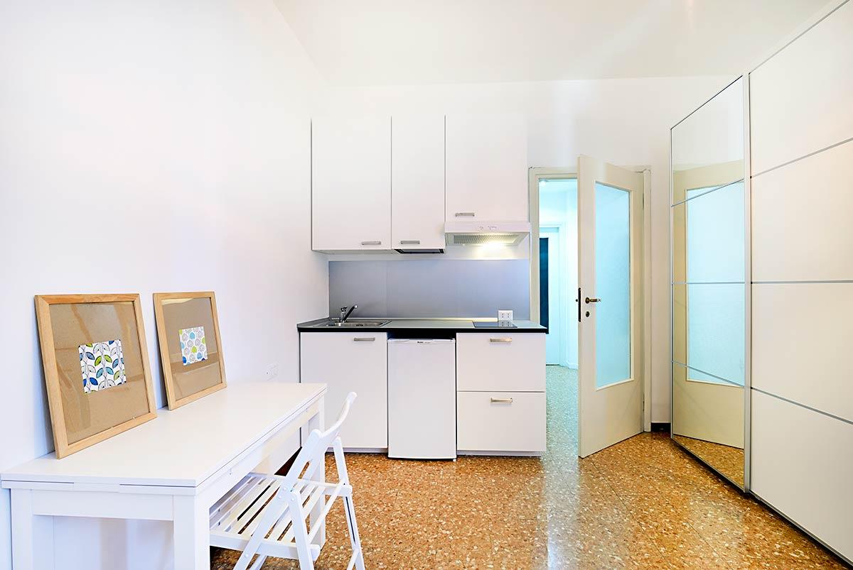 Singola con cucina privata • 18A