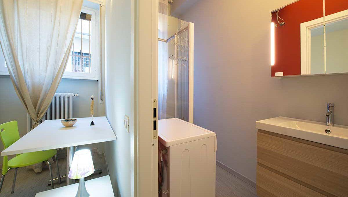 01-Zum36-8A_Bathroom2