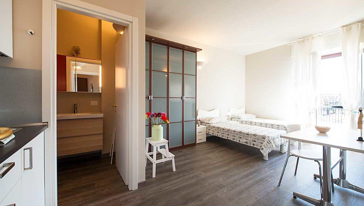 01-Zum36_32B-Bedroom