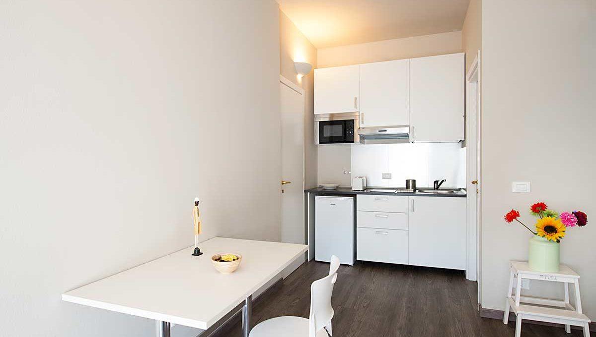 01-Zum36_32B-Kitchen
