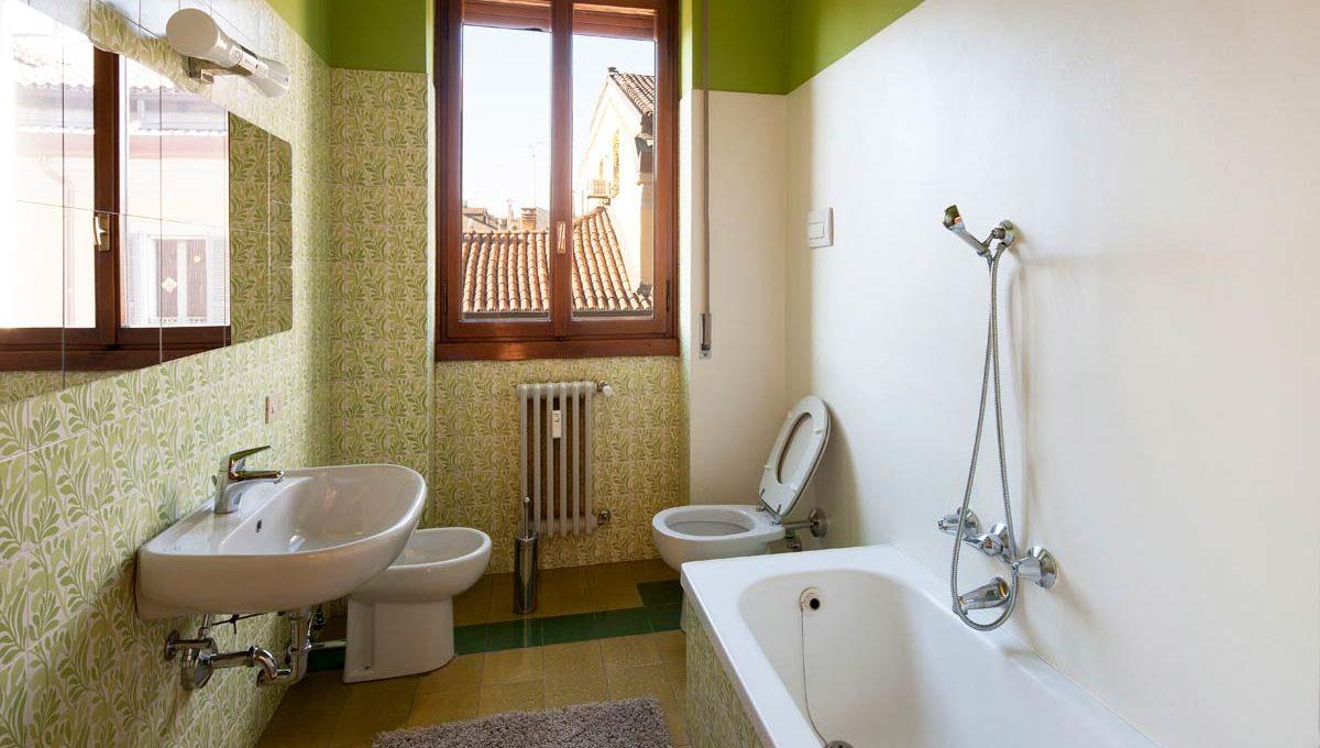 Bia1-13_Bathroom-v