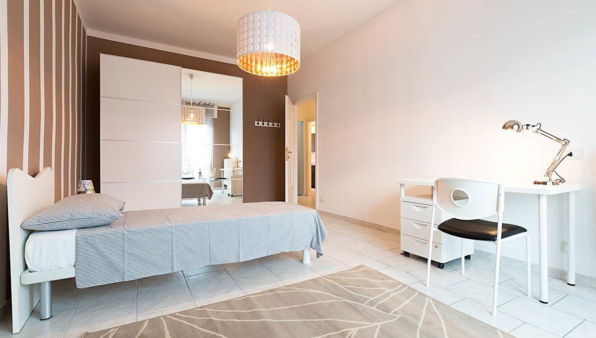Zum36-11-A_Bedroom