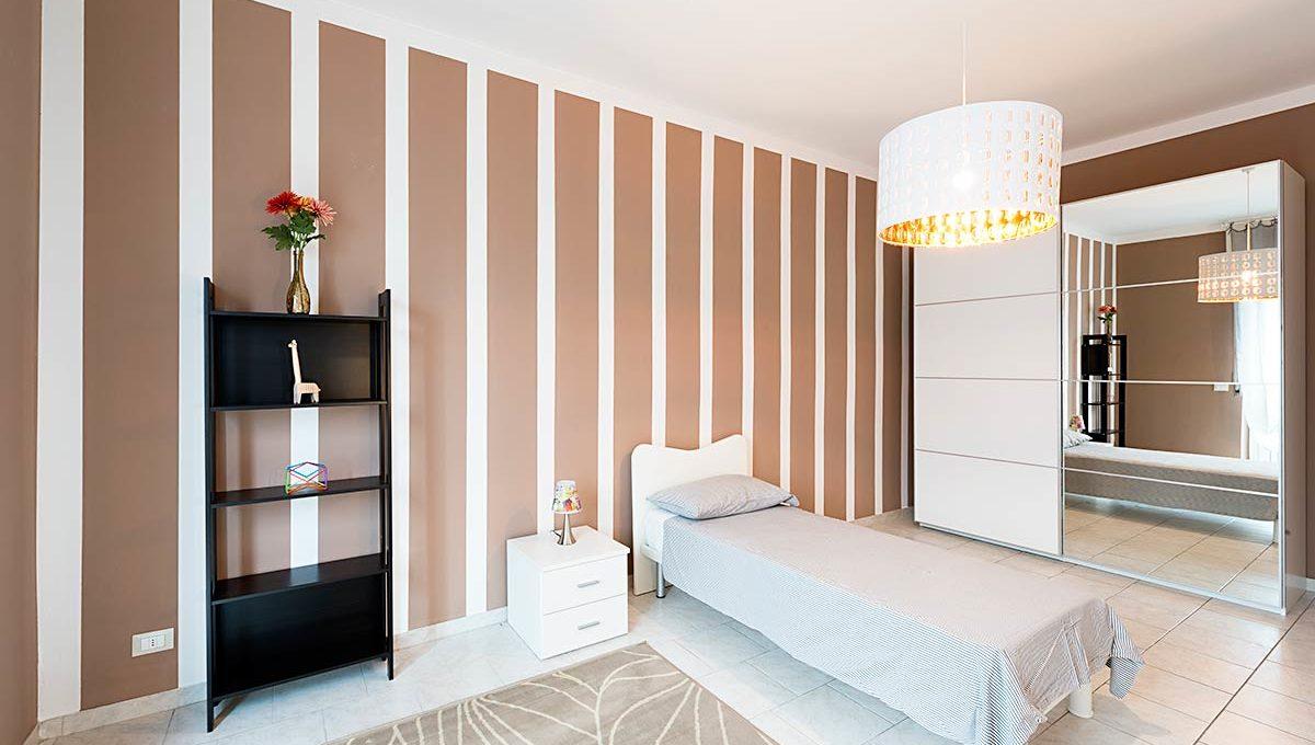 Zum36-11-A_Bedroom2