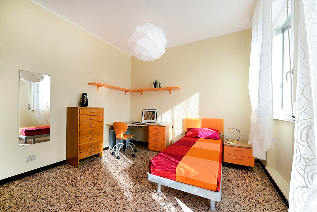 Very bright single room with terrace • 19A