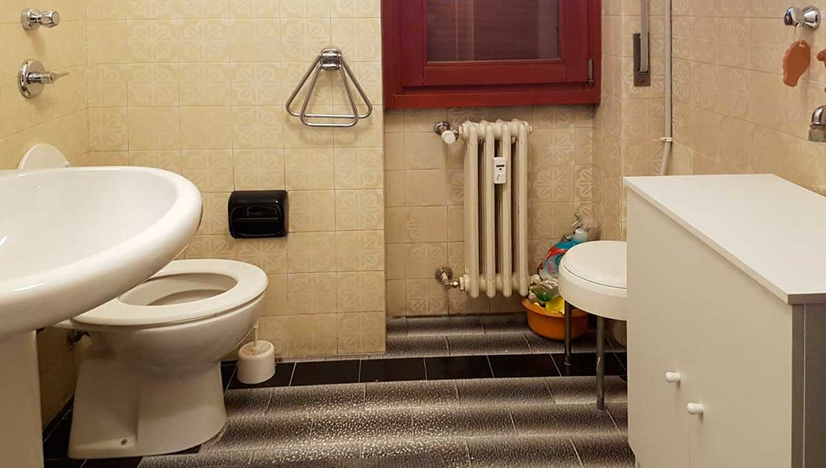Bathroom-1-Ste-803