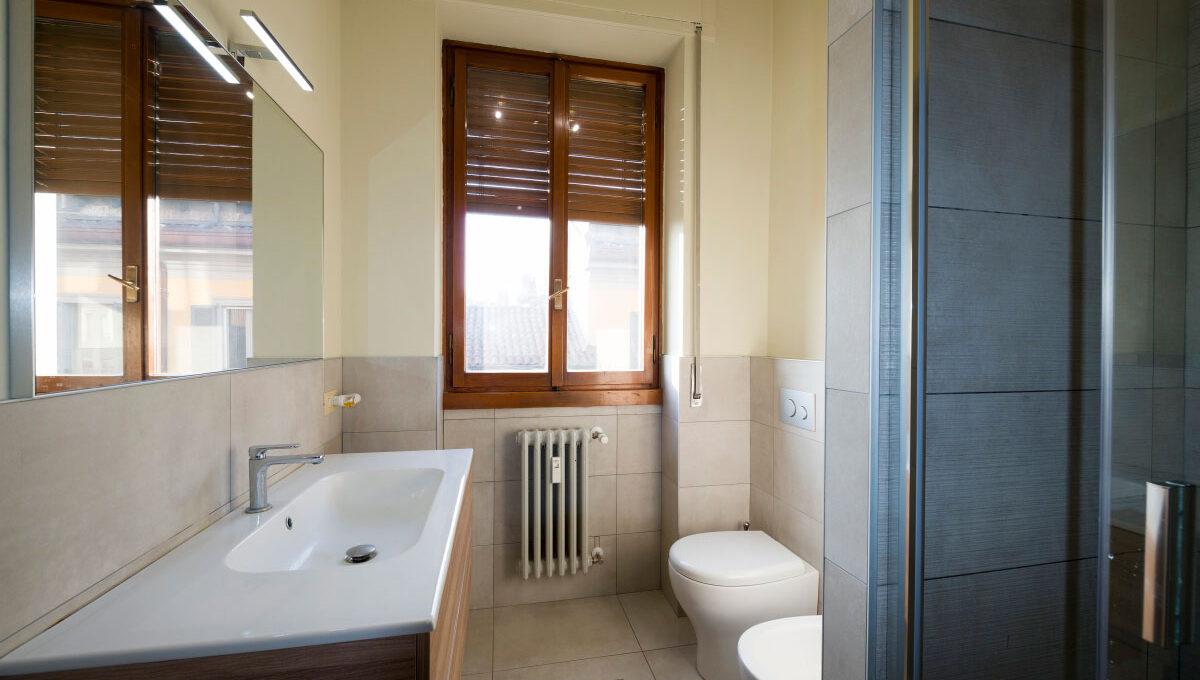 Piazzale-Biancamano-Milano-bagno-13c